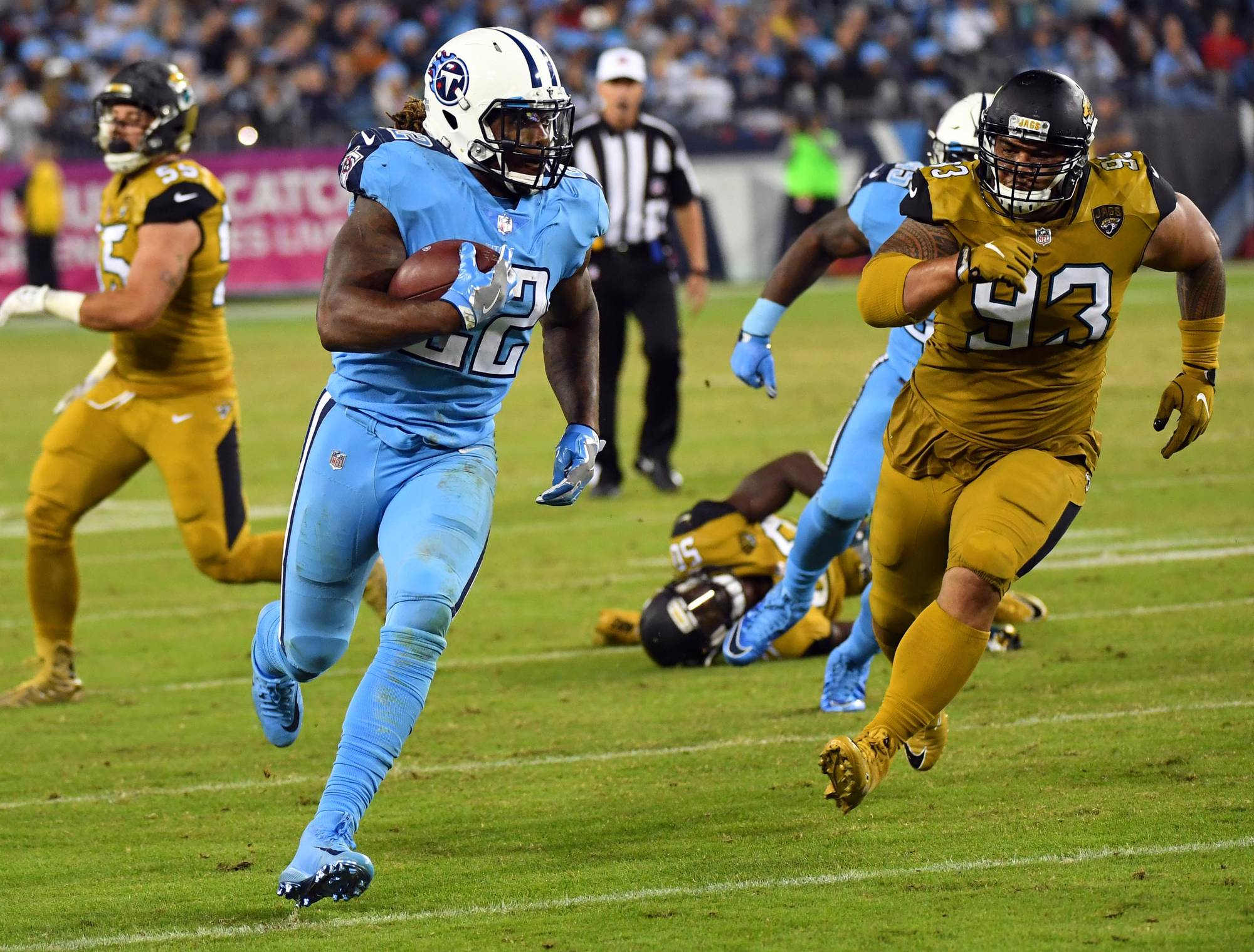 Titans Produce Six Straight Scoring Drives in 36-22 win over Jacksonville