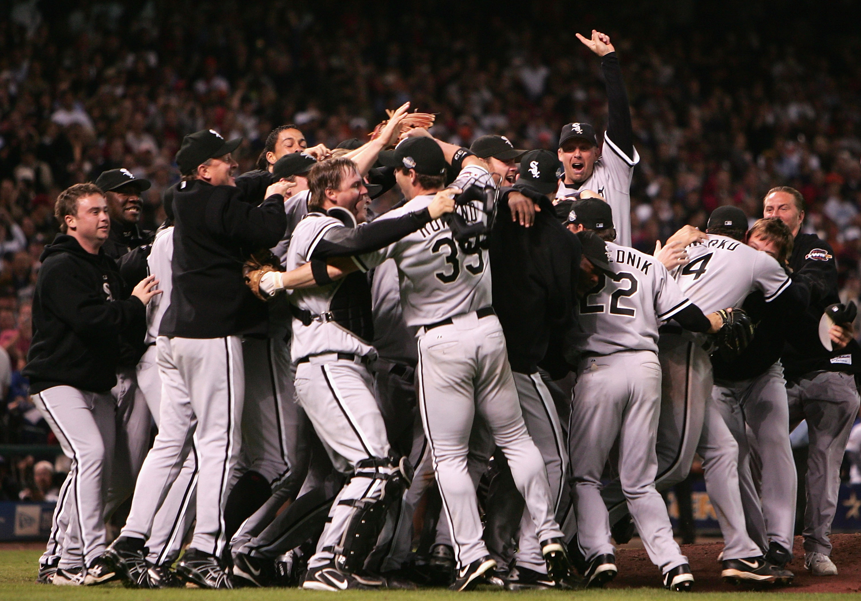 People Forget How Special And Impressive The 2005 White Sox Playoff Run Was