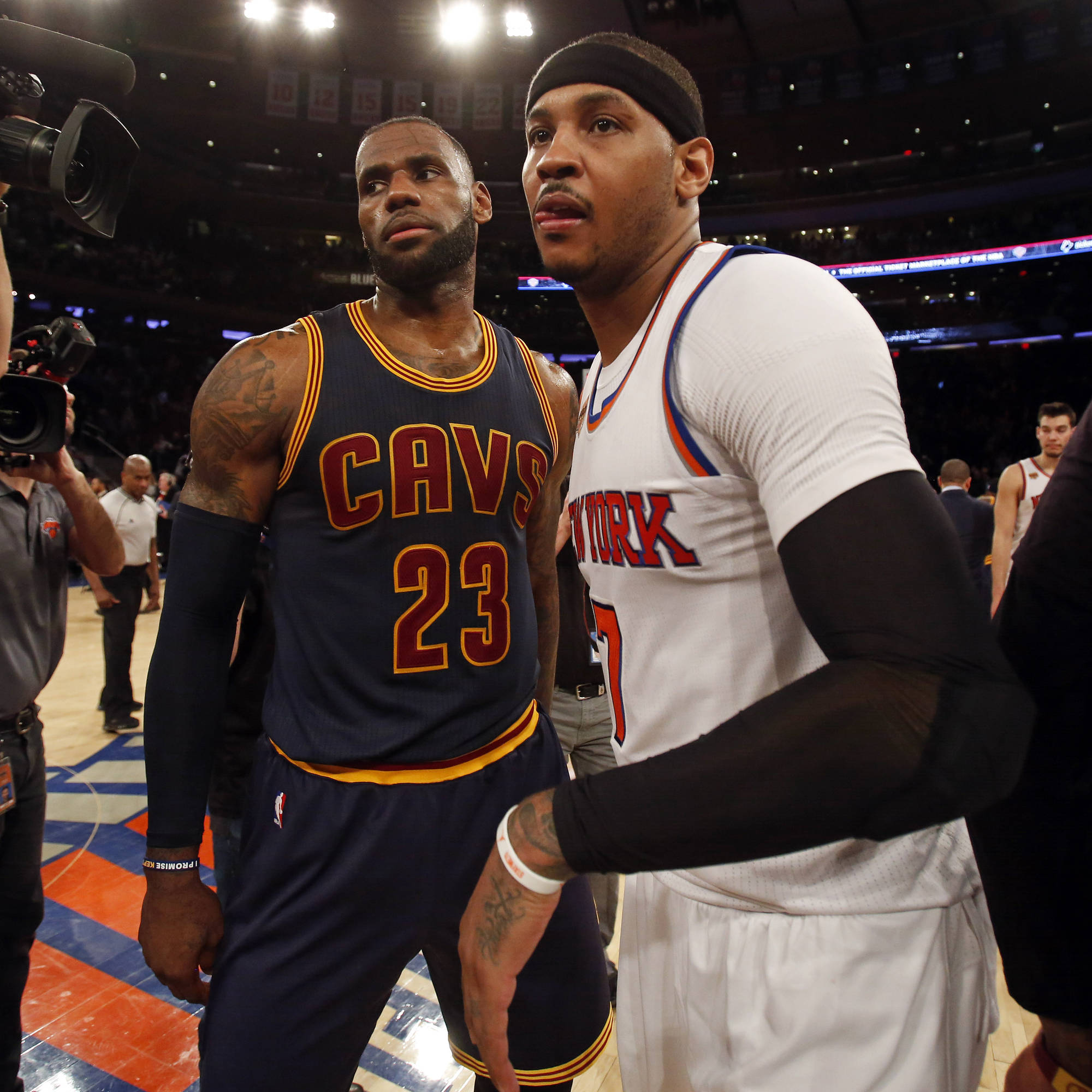 LeBron Pushing to Get Cavs to Trade For Carmelo Anthony