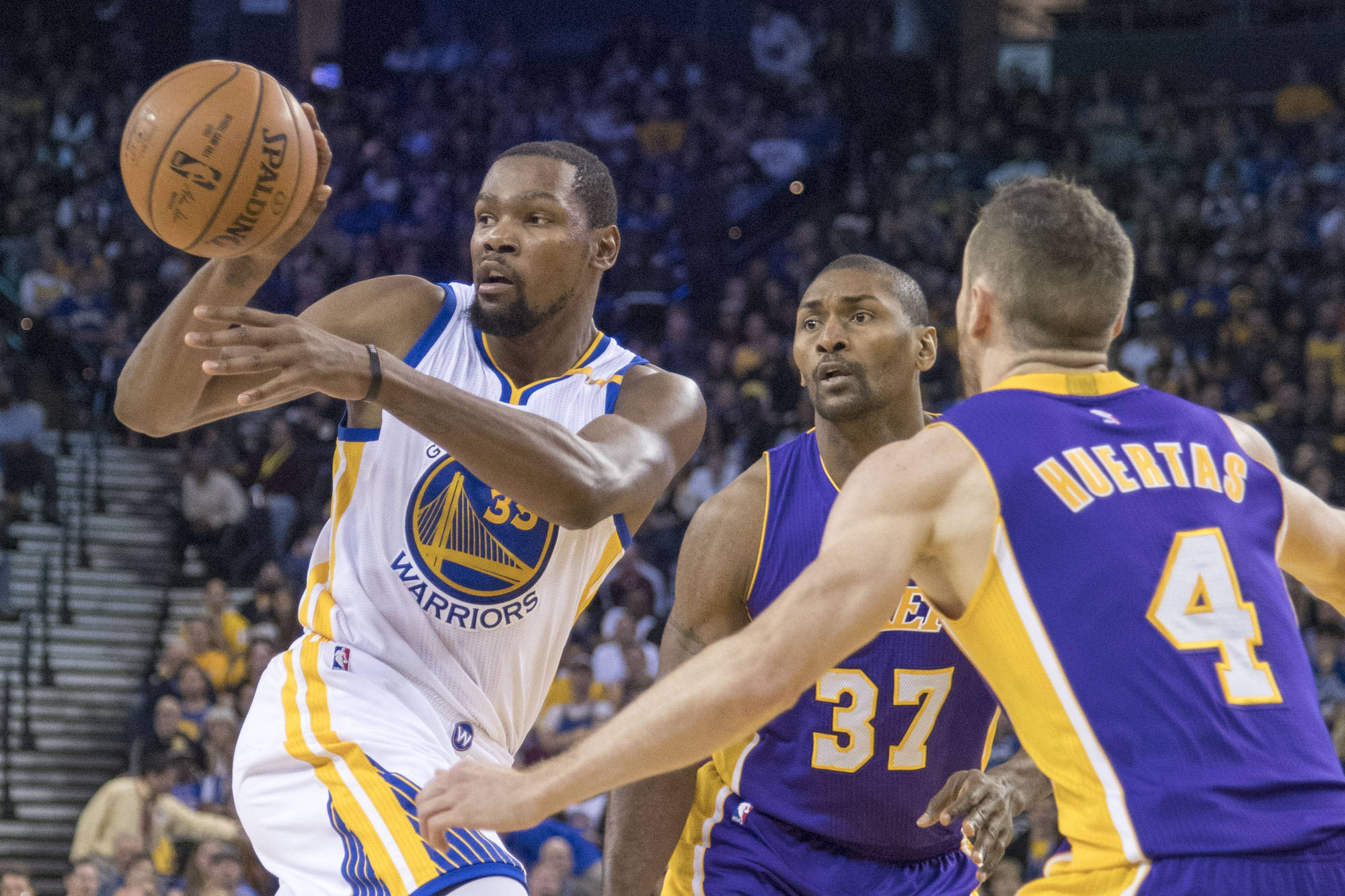 NBA: Are the Warriors the greatest offensive team of all time?