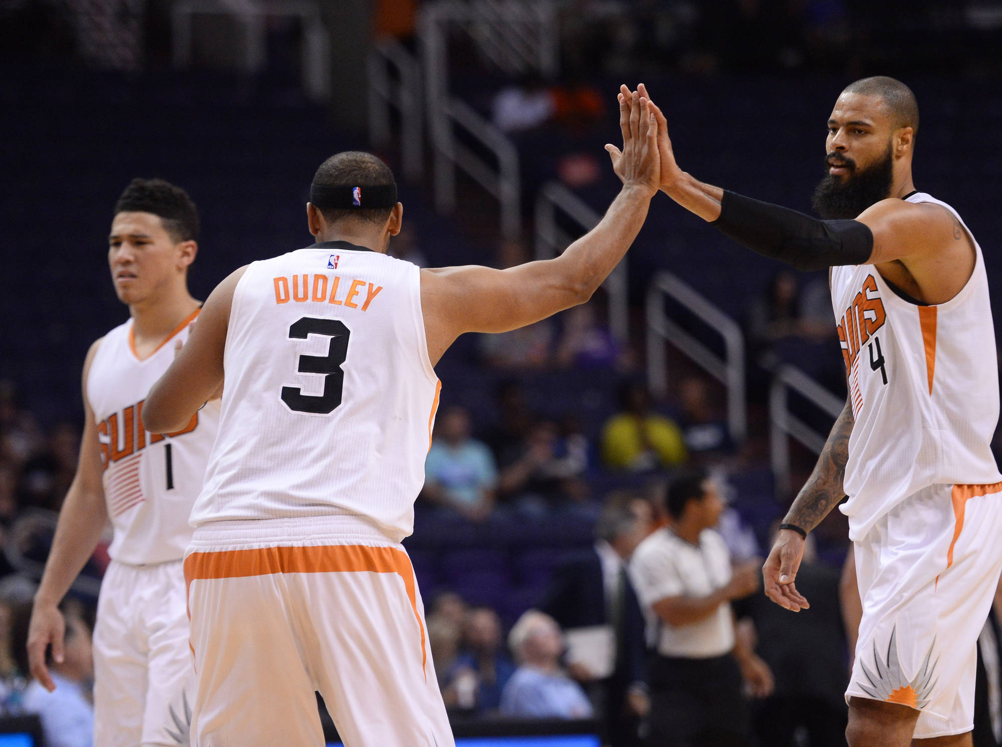 The Phoenix Suns are going to record high fives this season