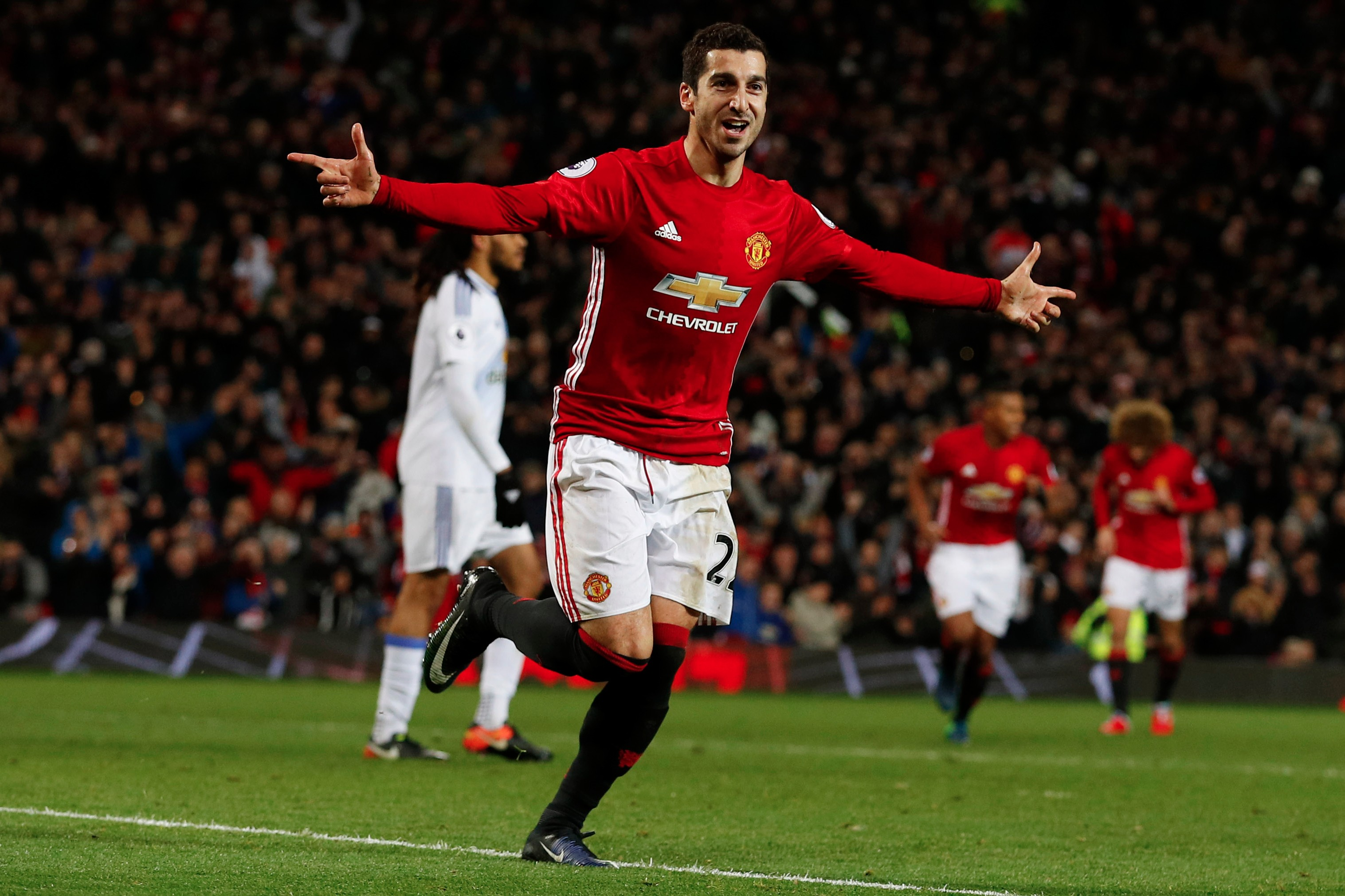 Manchester United look to stay hot against rivals Liverpool