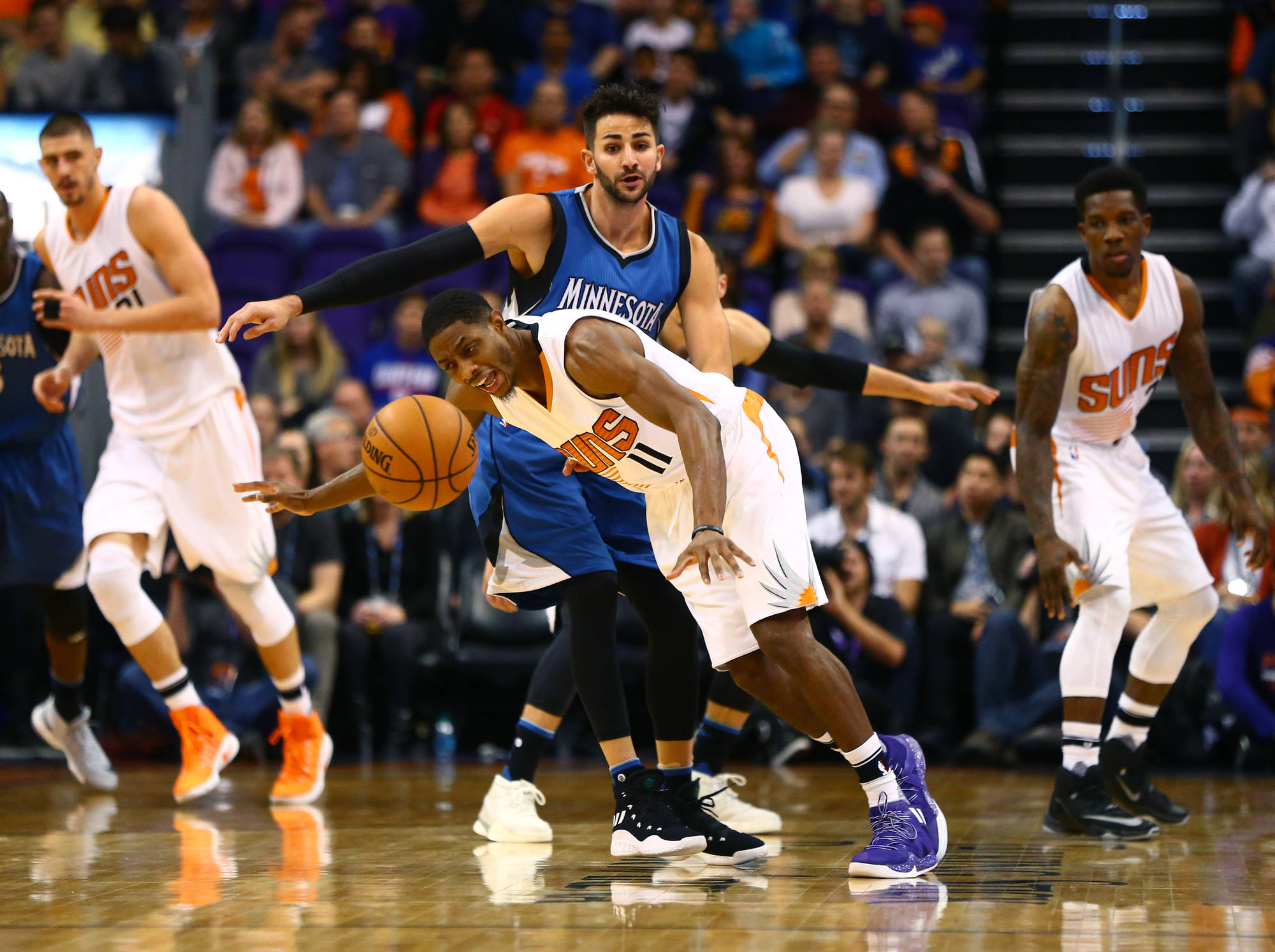 Brandon Knight should be moved to Timberwolves for Ricky Rubio.