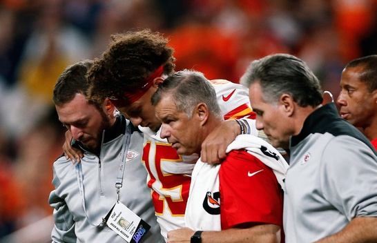 Patrick Mahomes is injured in ChiefsVictory Over Broncos.