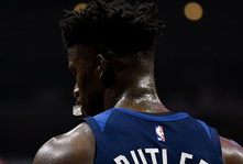 Jimmy Butler Traded to Philadelphia 76ers for Package of Players and a Draft Pick