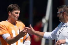 Tom Brady praises Titans' tenacious defense after joint practice