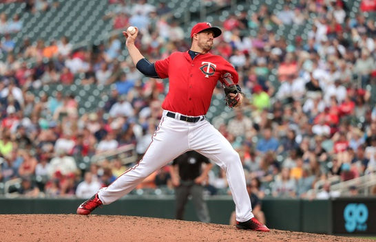 Pirates acquire Pat Light from Minnesota Twins