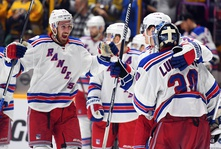 Kevin Hayes and Henrik Lundqvist lead the Rangers to their second consecutive Shootout Win