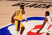 LeBron Hits Game Winner, Lakers Down Clippers