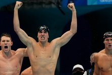 Sportsblog newsletter 8/2: Caeleb Dressel only wins gold!