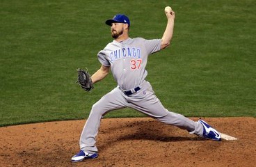 Royals sign Travis Wood to a 2-year deal