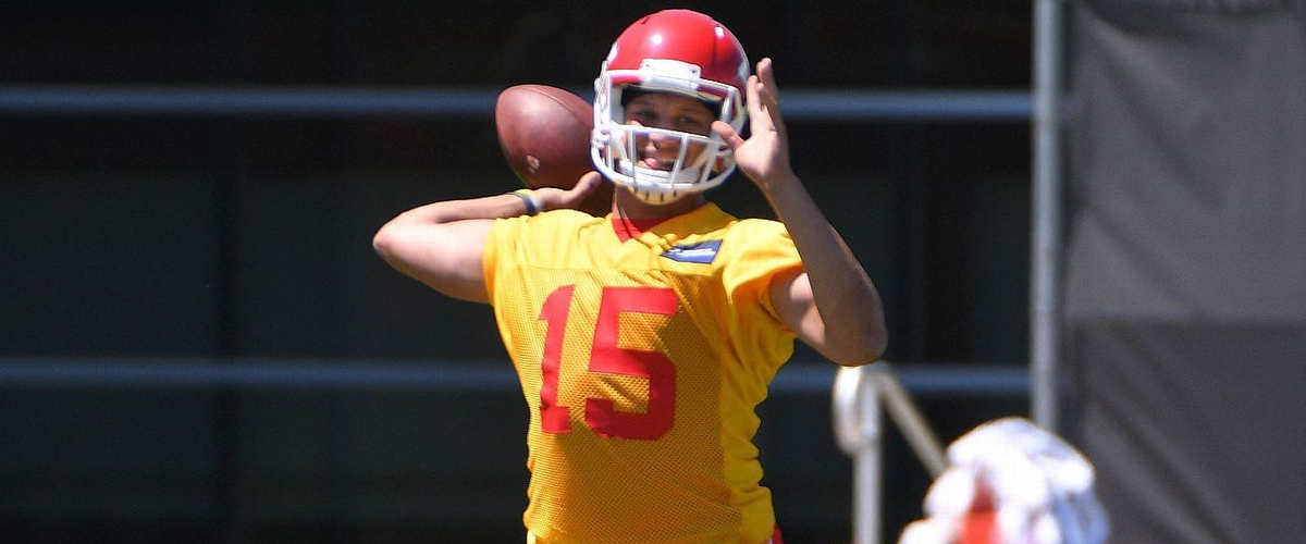 Pat Mahomes promoted on the depth chart