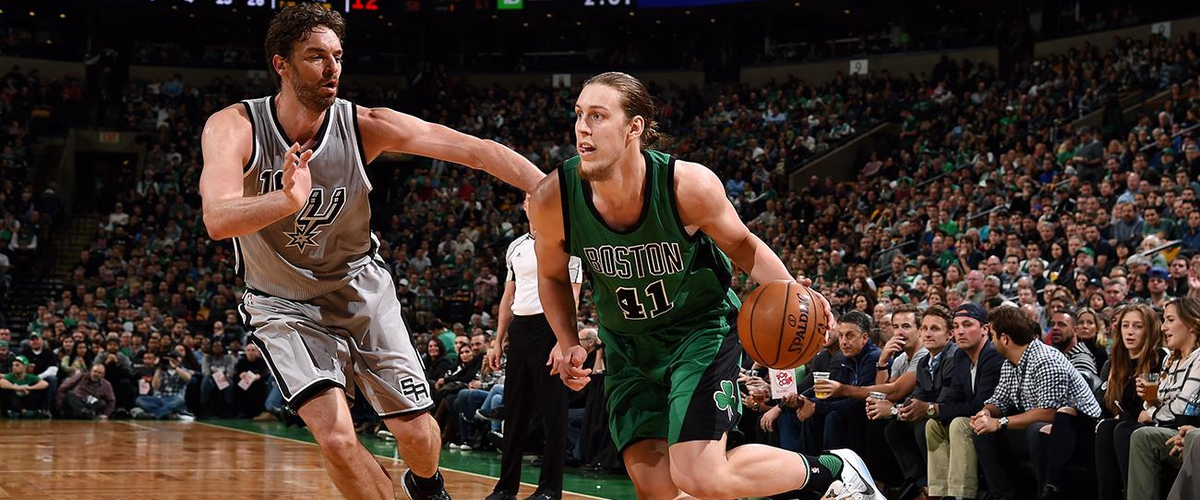 Heat sign Dion Waiters and Kelly Olynyk to four-year deals