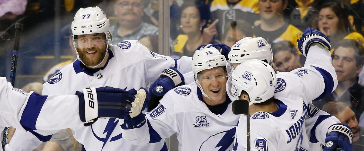 Lightning take control of series in 4-1 win