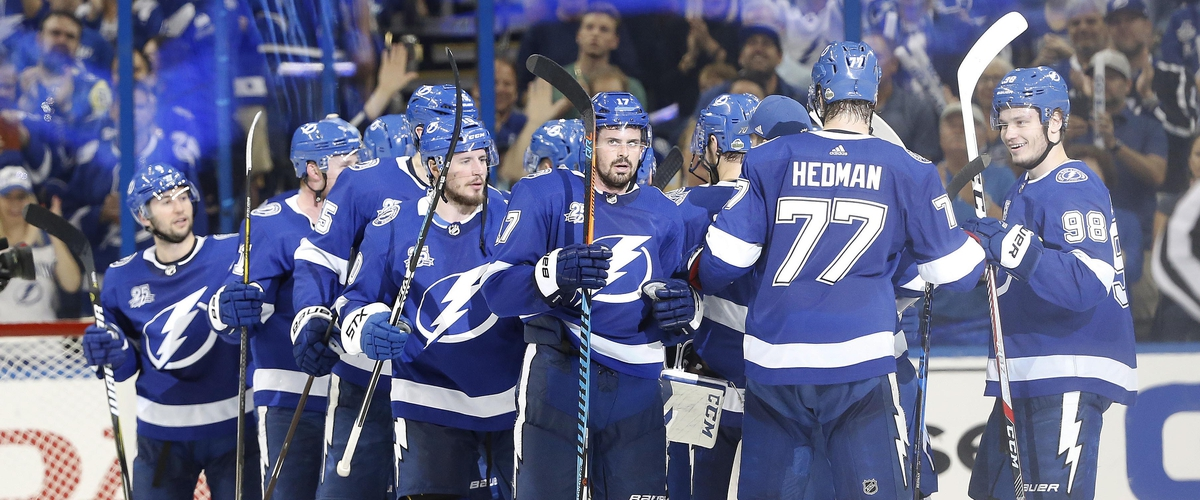 Lightning close out the Devils in 3-1 win