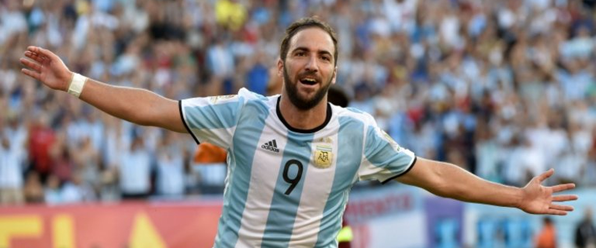 Higuain out of Argentina squad again