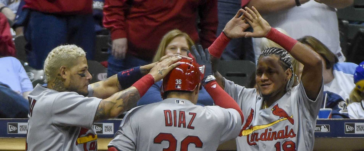 Cardinals 2-1 Series Lead Over Brewers - Diaz Nets Pinch-Hit Home Run