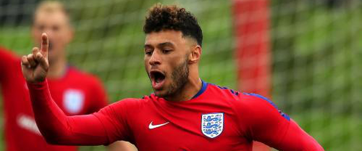 Liverpool agree £40m Alex Oxlade-Chamberlain deal and pursue Thomas Lemar