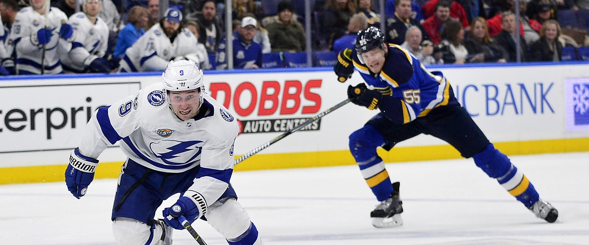 Lightning stay hot in win over Blues