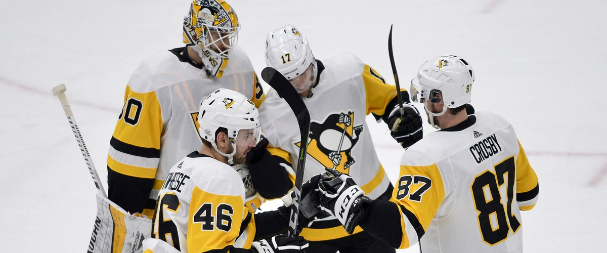 Three Goal Third Period Lifts Penguins over Blues