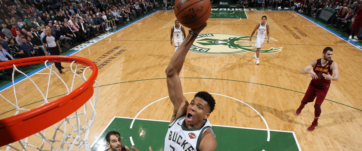 NBA Player of the Night Giannis Antetokounmpo