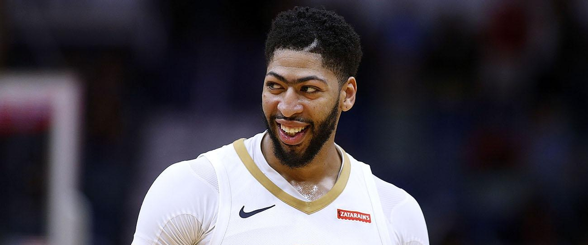 Does Anthony Davis' Unibrow Make Him More Susceptible to Injury?