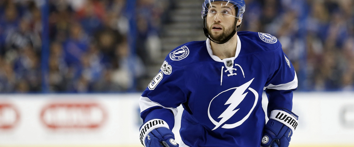 Tyler Johnson Signs Deal With Lightning