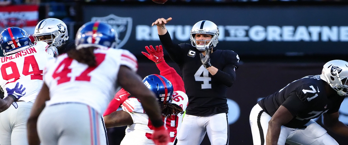 Raiders Beat Manningless Giants