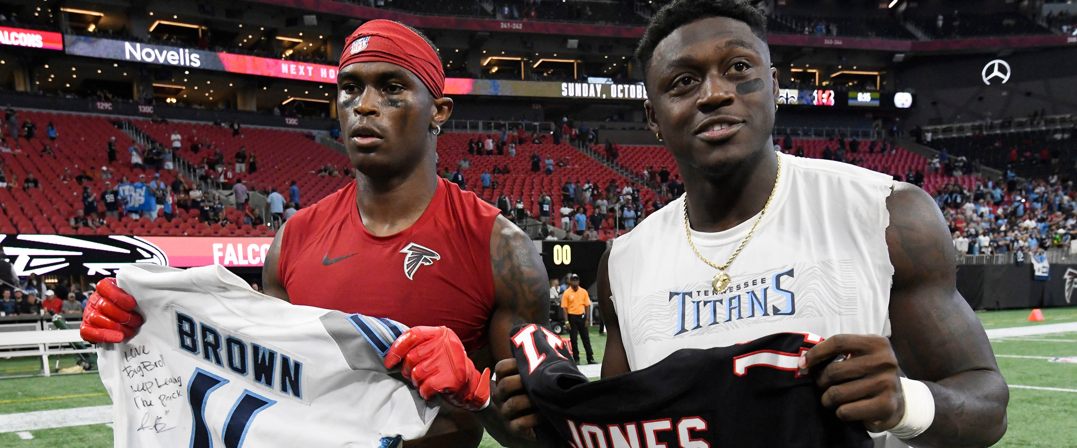 What are the betting odds the Titans acquire Julio Jones?