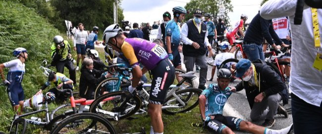 2 massive crashes mar the opening stage of the Tour de France