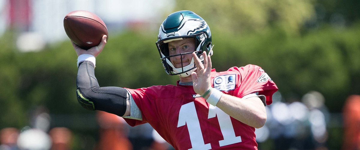 The Philadelphia Eagles are slowly pushing for Carson Wentz to start in week 1.