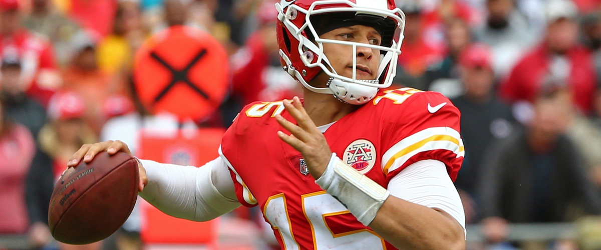 NFL Week 6: Kansas City Chiefs (5-0) @ New England Patriots (3-2) Projections