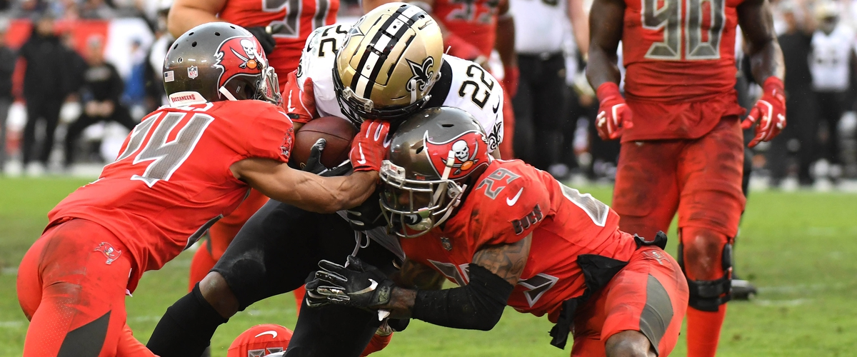 Bucs blow lead in loss to Saints