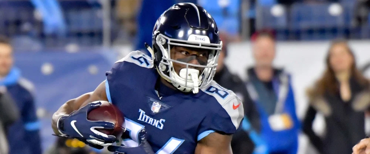 Tennessee Titans pick up fifth-year option on Jackson but not Davis